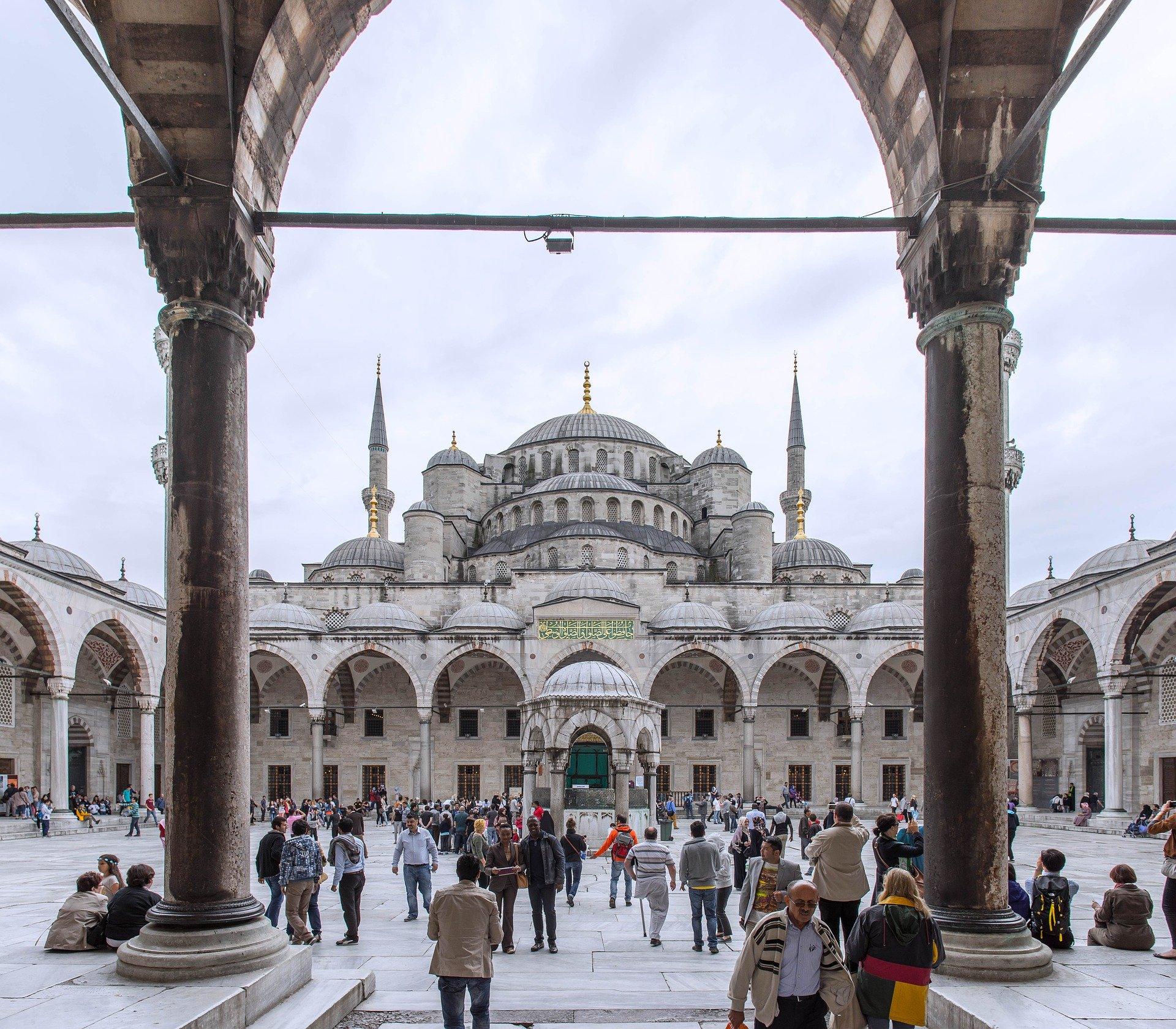 Masjid-Masjid yang Diubah Jadi Katedral di Barat